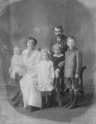 Alexander McKenzie and family
