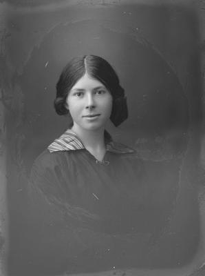 Portrait of young woman - Mccann