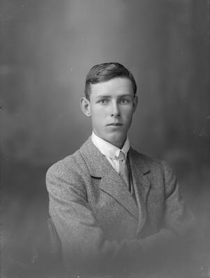 Portrait of young man - Orr