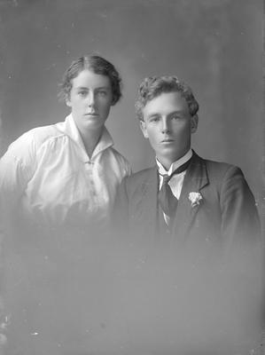 Portrait of young man and woman - Old