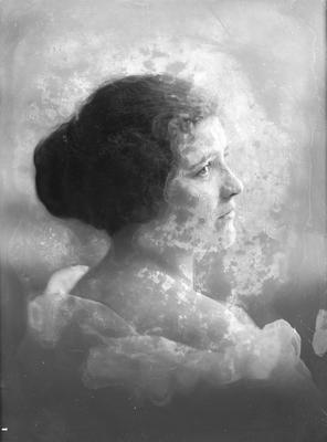 Portrait of a woman - Ockenden