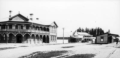 Old railway station and Delta Hotel in Ngaruawahia