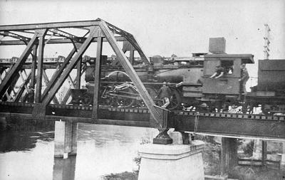 Railway bridge at Ngaruawahia