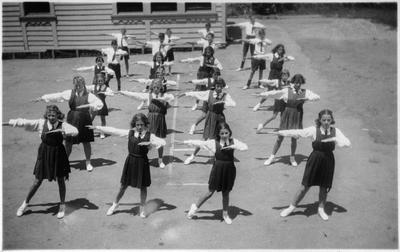 Orini School drill display 1939