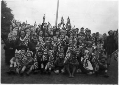 Orini - school pupils (flag day)