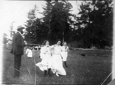 Orini - School picnic, 1912