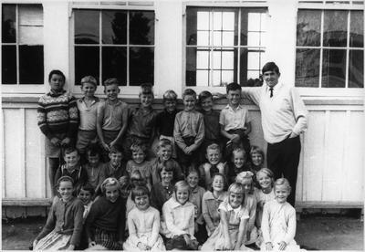 Orini School - Class photo -- ?