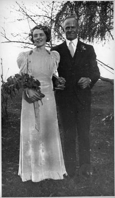 Wedding portrait - bride and groom