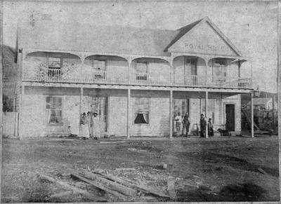 Royal Hotel, Raglan (see also 257)