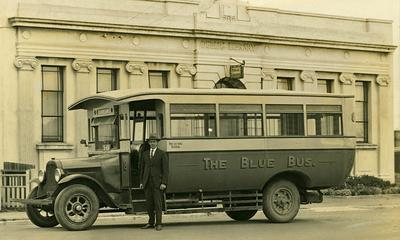 A Blue Bus outside the Frankton Public Library