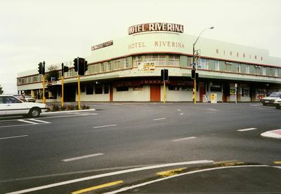 Riverina Hotel c. 1985