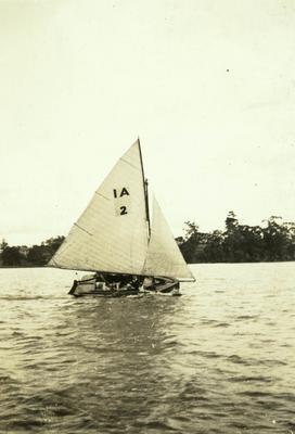 """""""Idle Along"""" on Hamilton Lake"""