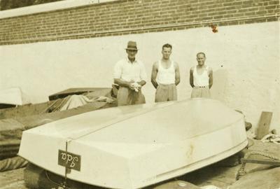 "Harold Martin and sons with ""Ida"" aka ""Idle Along"""