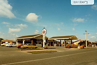 McLaren's Bryant Park Motors