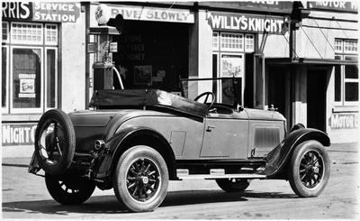 Car outside Pomeroy's motor garage