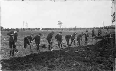 Frankton School pupils work on a vegetable garden