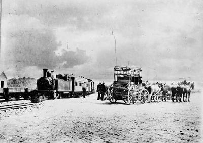 Locomotive and Royal Mail coach at Waiouru