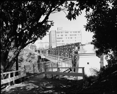 View of the pedestrian Claudelands Road traffic bridge under construction