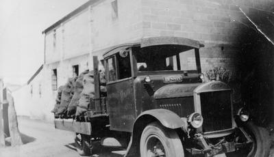E Woodward Carrier - NZ Express Agent - Glen Coal
