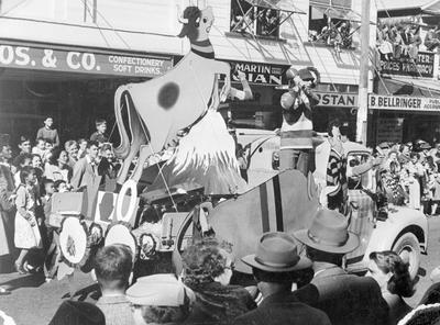 Mooloo parade, New Plymouth - Booth & Chapman float
