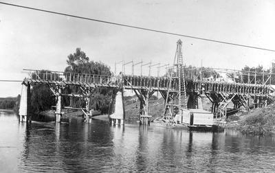 Construction of bridge over Waikato River, Ngaruawahia ?