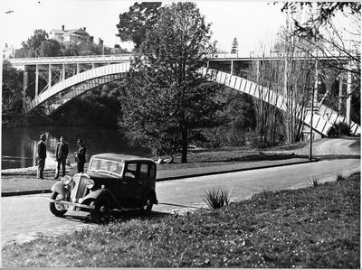 Three men Hillsborough Terrace alongside Waikato River c. 1935 Standard 16