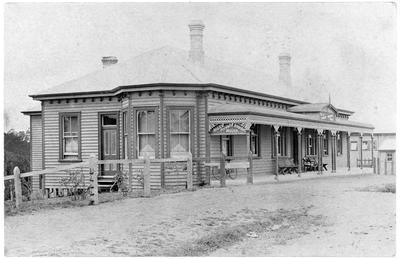 """""""River View"""" Hills Private Boarding House - Victoria Street, Hamilton"""