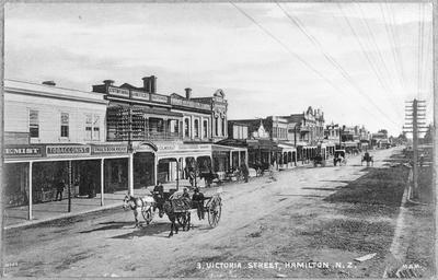 Victoria Street - looking north