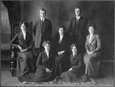 Studio photo of Hunter family