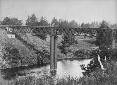 Hamilton's first Railway Bridge c. 1900