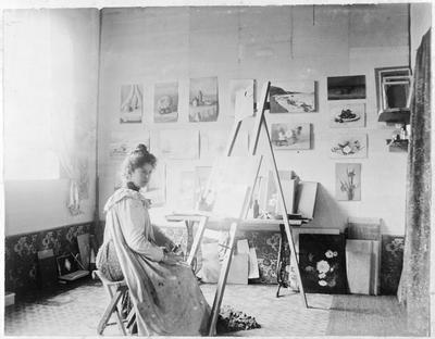 Edie in her studio, Edith Roberts