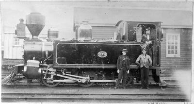 Locomotive 276 at Auckland with Munro, Kerr and Keats