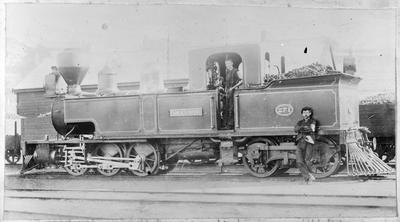 """Locomotive 271 at """"Fairlies Patent"""" - Frank Mahoney and W Wakefield"""