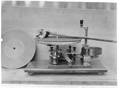 Gramaphone made by Jack in 1900