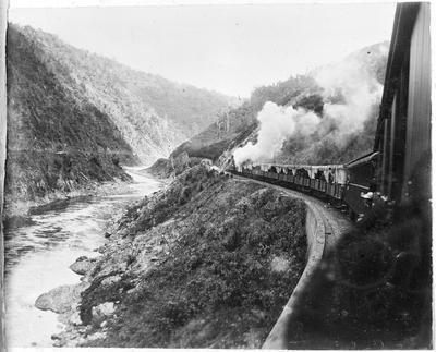 Tram through Manawatu Gorge