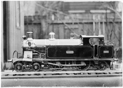 LeN.W 2538 Locomotive model by Horace Davidson