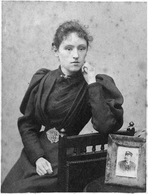 Mrs annie Reid - Jas Reid's second wife - married 1906