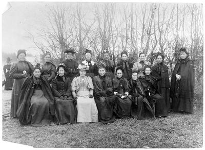 Meeting of pioneer's wives-  25 years after landing