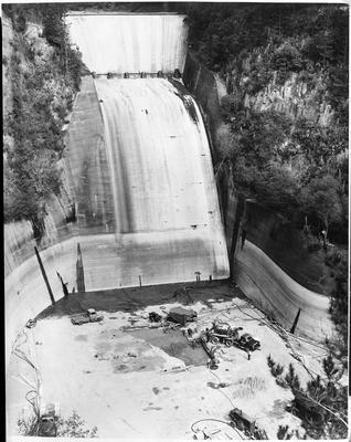 Arapuni Dam spillway - construction