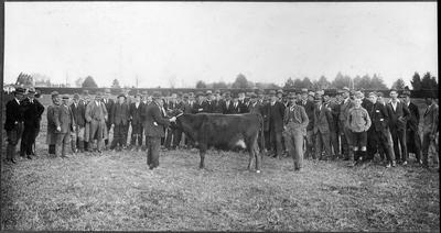 "Gathering of ""Shorthorn"" people"