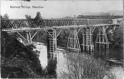 Hamilton's first Railway Bridge