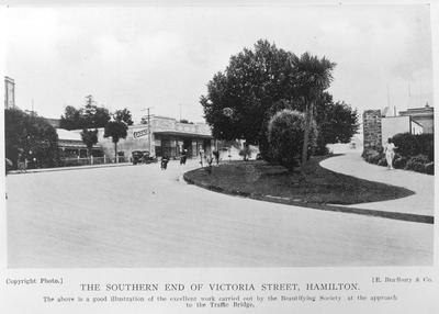 Victoria Street South corner Bridge Street