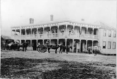 Gwynnes Hamilton Hotel