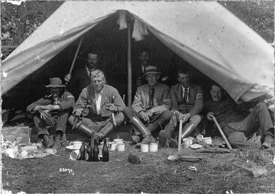 W A Gordon at Potter's Paddock, Auckland