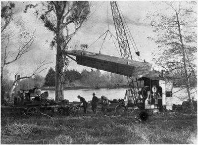 Lifting a barge at Kimihia and transporting to Kimihia Lake