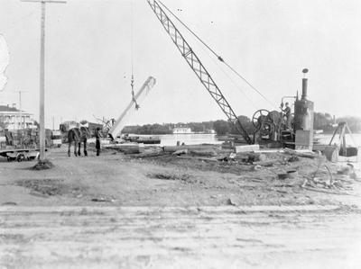 Mercer Wharf, Roose Shipping Co. crane