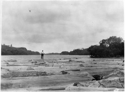 Ceasar Roose on log raft
