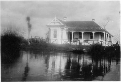 Roose's home, Mercer