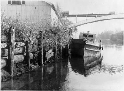 """Tere"" barge, Roose Wharf, Hamilton"
