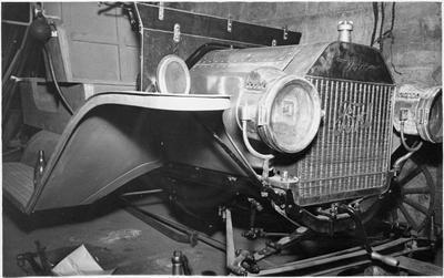 Vintage car - restoring